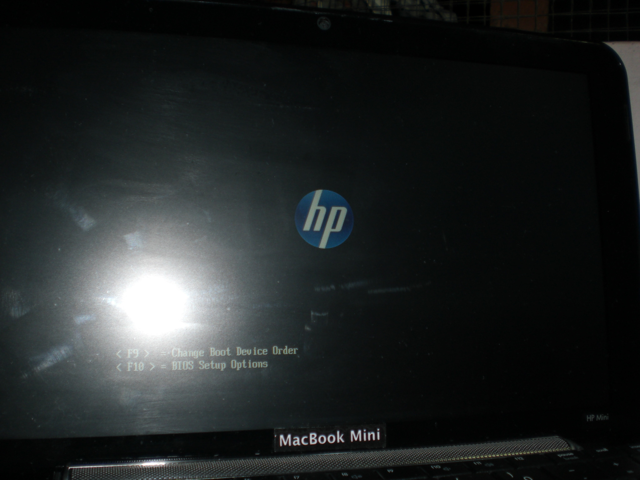hp logo is back!